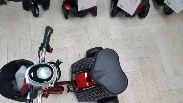 ZooMe Three Wheel Recreational Scooter - 300 Lb Cap