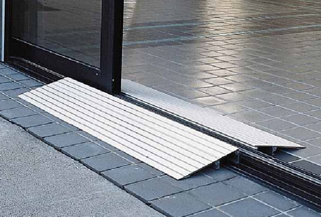 "4"" Aluminum Threshold Ramp"